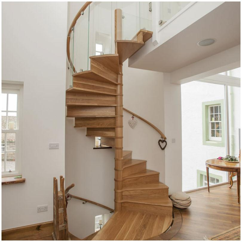Cầu thang xoắn ốc tinh tế
