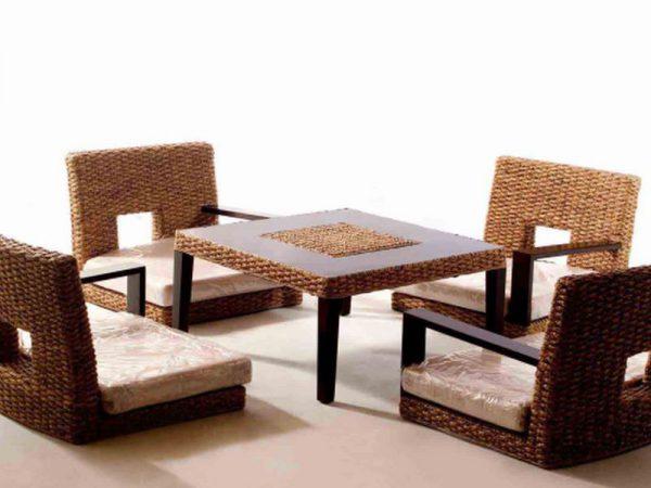 bàn ăn ngồi kiểu nhật