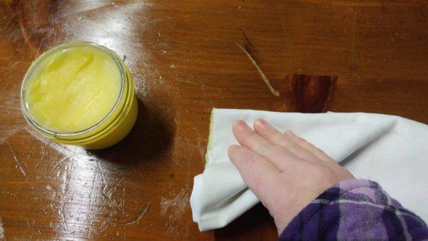 Cách đánh bóng bề mặt gỗ tại nhà