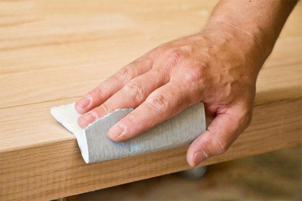 cách làm sạch bề mặt gỗ tại nhà