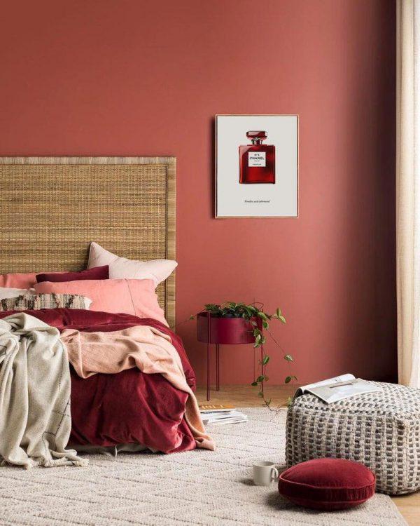 phòng ngủ màu đỏ thẩm ngọt ngào