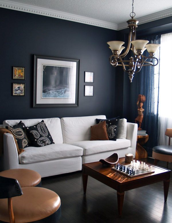 màu xanh đậm ấp cúng cho căn phòng