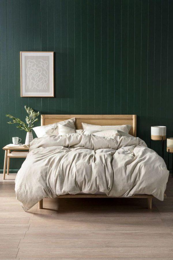 Phòng ngủ màu xanh đậm