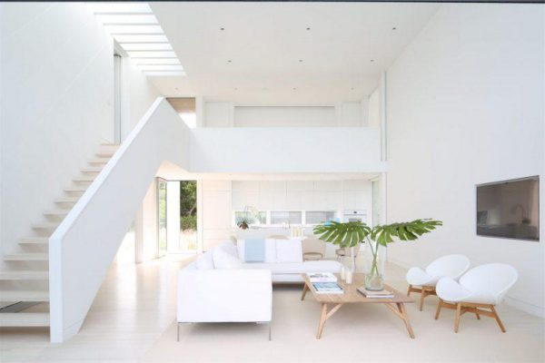 Sơn tường nhà màu trắng