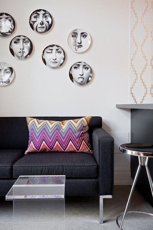 trang trí tường đẹp mộc mạc bằng đĩa